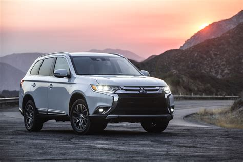 First Drive 2018 Mitsubishi Outlander Phev Review