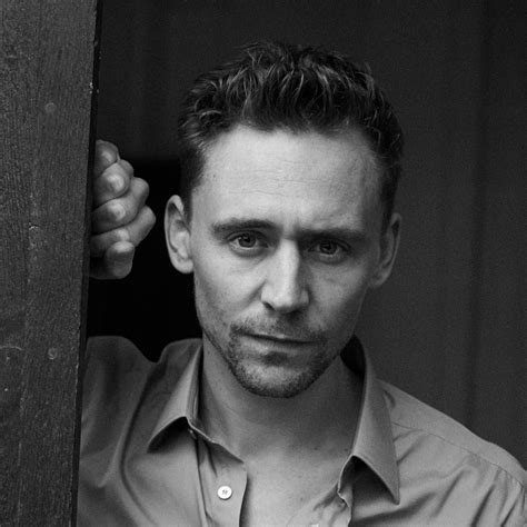 Beautiful Tom Hiddleston Picture by Tom Hiddleston Awesome Profile Pics Whatsapp Images