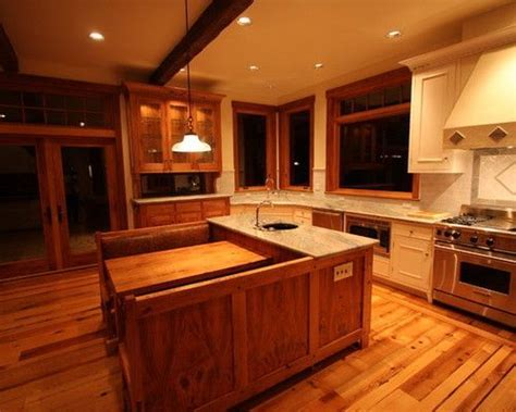 Center kitchen island with built in booth.   Kitchen
