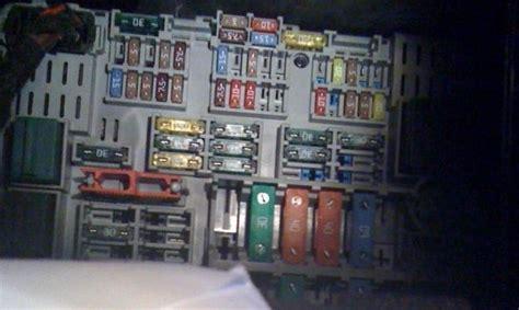 E90 Fuse Box Cigarette Lighter by Fuse For Cigarette Lighter On A 2006 Bmw 325i Autos Weblog
