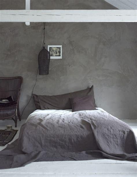 schlafzimmer wei grau grn modernes schlafzimmer mit grauen wnden und holzbett mit bettwsche grau design schlafzimmer