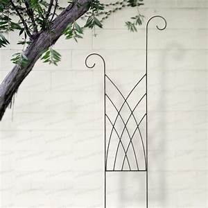 Fabriquer Un Treillage En Fil De Fer : treillage grille planter fontaine treillages support grimpantes ~ Voncanada.com Idées de Décoration
