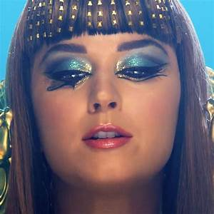 Katy Perry Makeup | Steal Her Style | Page 3