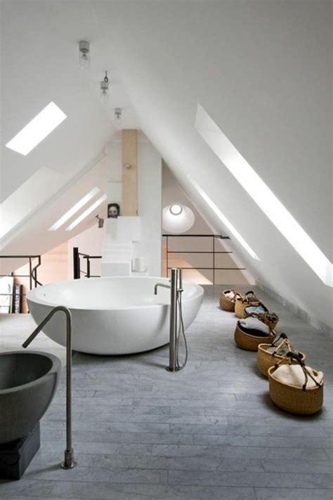Idee Amenagement Salle De Bain Sous Comble Tout Pour Votre Chambre Mansard 233 E En Photos Et Vid 233 Os