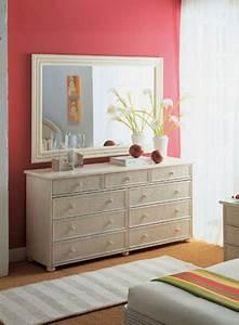 Chambre en rotin chambre rotin citron nos chambre en for Chambre bébé design avec parfum avec fleur de frangipanier