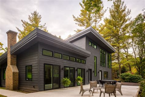 certainteed icon composite siding features truetexture select cedar finish   molded