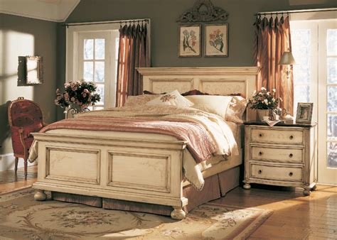 Antique White Bedroom Furniture by The Furniture Detailed Antique White Panel Bedroom Set