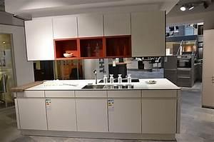 Kücheninsel Ohne Geräte : leicht musterk che die insel f r ihren modernen wohntraum ausstellungsk che in hemmingen bei ~ Orissabook.com Haus und Dekorationen