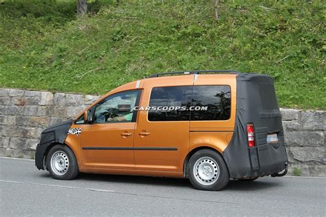 scoop vw caddy undergoes  facelift carscoops
