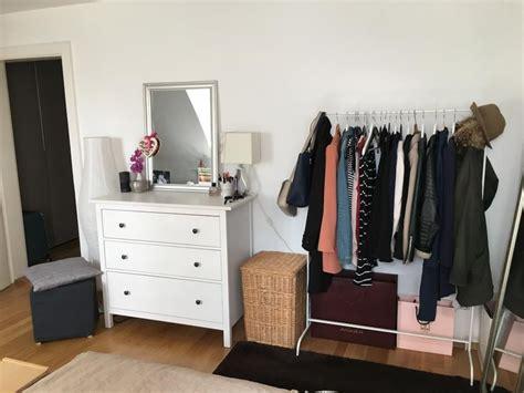 Wohnheim Zimmer Einrichten by Kommode Und Kleiderstange F 252 R Kompakte Und Organisierte
