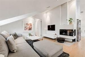 Weiß Grau Wohnzimmer : wohnzimmer mit dachschr ge in grau und wei dachgeschoss pinterest grau und wei ~ Indierocktalk.com Haus und Dekorationen