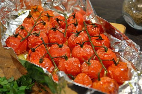 krustenbraten im backofen mit bier krustenbraten in bier mit gebackenen tomaten katha kocht