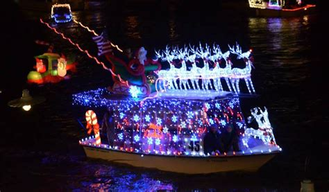 Boat Lights In Kemah by Boat Parade On Clear Lake 365 Houston