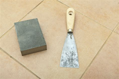 Removing Grout From Glass Tile by How To Remove Grout From Tiles Howtospecialist How To