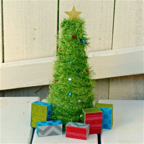 mini light up tree family crafts