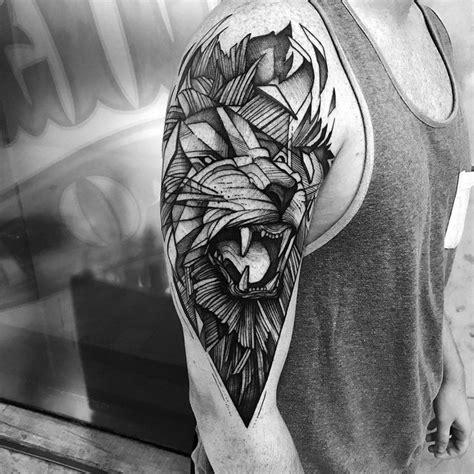 motive oberarm tattoos f 252 r m 228 nner motive oberarm l 246 we geometrisch ideen tattoos m 228 nner oberarm