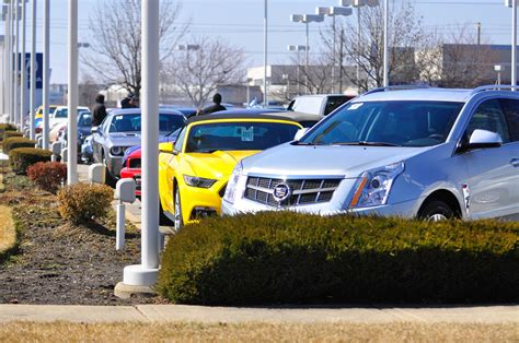 Average used-car price hits record high: $18,800 - Chicago ...