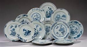 Lot D Assiette : dix assiettes en porcelaine bleu blanc et une assiette en faience de delft chine et delft ~ Teatrodelosmanantiales.com Idées de Décoration