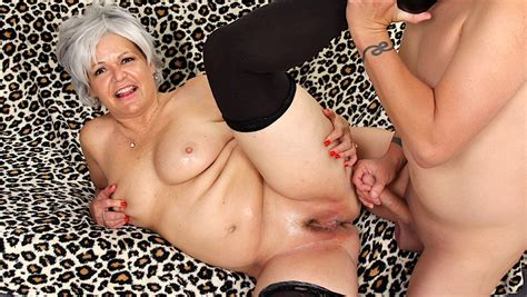 Grey Haired Granny Kelly Leigh Fucks Like Shes In Her