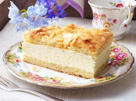 blechkuchen bienenstich schnitten bienenstich cakes