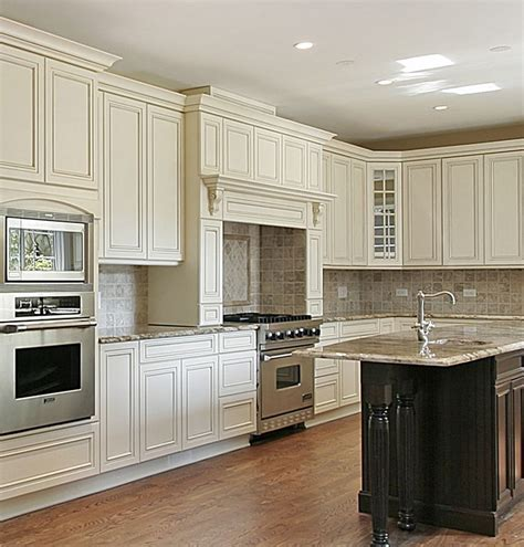pictures for kitchen cabinets 56 best traditional kitchens images on custom 4197