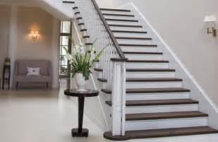 Peindre Un Escalier En Blanc by Id E Deco Peindre Un Escalier En Bois Penmie Bee