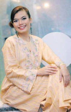 images  malay traditional costume  pinterest baju kurung malaysia  kebaya