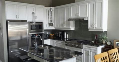 Kitchen Cabinets Biscuit Color by Belvedere Cloud White By Raywal Cabinets Yay Our New