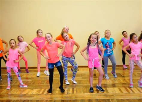 zumba move dance easy