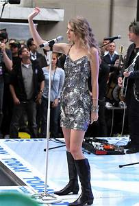 Taylor Swift Knee High Boots - Taylor Swift Looks ...