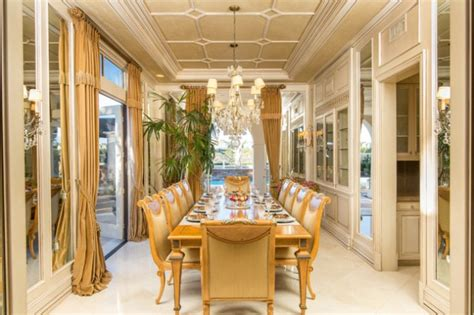luxury traditional dining rooms   turn