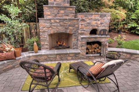 Backyard Fireplace Ideas by Outdoor Fireplace With Pizza Oven Traditional Patio