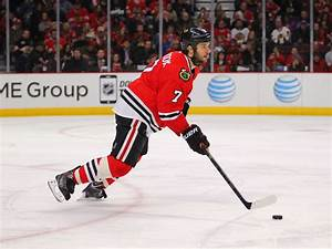 Blackhawks defenseman Brent Seabrook pitching in on ...