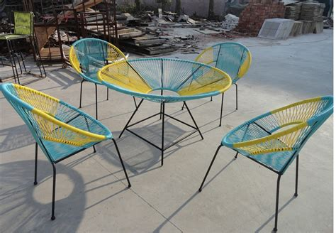 chaise ronde best table de jardin ronde coloree photos awesome
