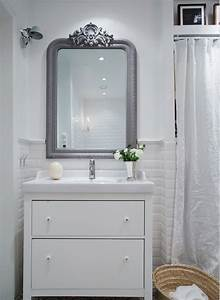 alliance de l39ancien miroir et d39un meuble vasque moderne With miroir salle de bain style ancien