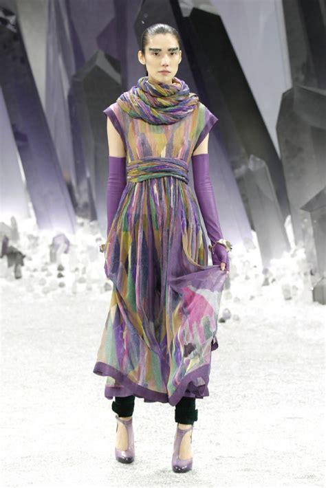 fashion week  beleaguered art  fashion criticism