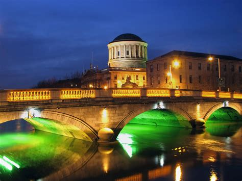 Cottage 4 You by Dublin Four Courts And Bridge By Cottages4you