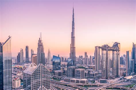 Backpacking in Dubai, The World's Richest City: AirTreks
