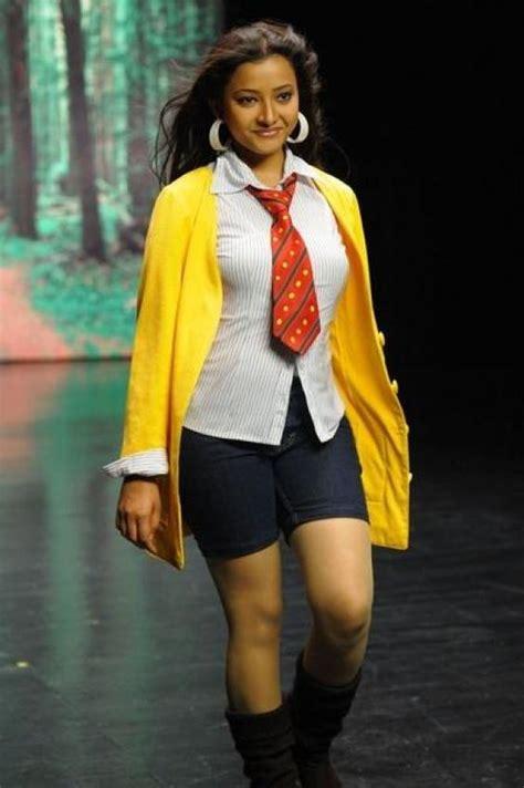 Hot Indian Actress Swetha Basu