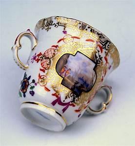 Kpm Porzellan Antik : kpm berlin lid cup trembleuse watteau picture painting 19 ~ Michelbontemps.com Haus und Dekorationen