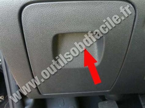 obd connector location  renault trafic