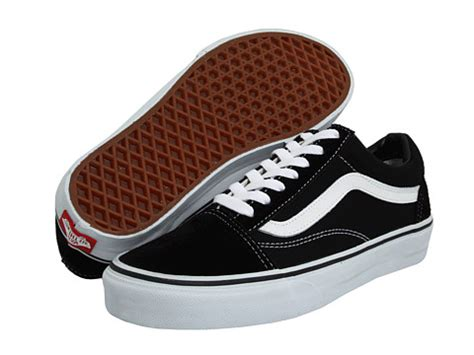 sepatu vans authentic black new vans skool classics at zappos