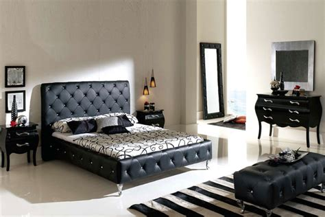 Contemporary King Bedroom Sets With Black Leather Tufted