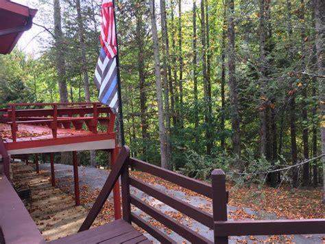 bearfoot lodge townsend tn  bedroom vacation cabin rental  find rentals