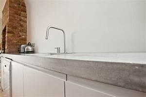 Betonoptik Wand Selber Machen : arbeitsplatte mit betonoptik k chenarbeitsplatten aus beton ~ Frokenaadalensverden.com Haus und Dekorationen