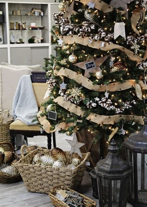 rustic christmas tree decorations 30 adorable indoor rustic christmas d 233 cor ideas digsdigs