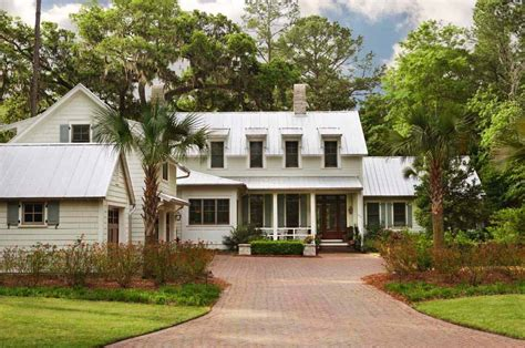 Lowcountry Style Home In South Carolina Offers Gorgeous
