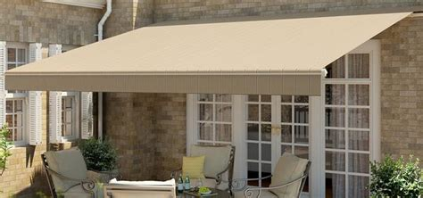 Motorized, Retractable Awnings