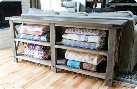 remodelaholic  easy ways  store blankets