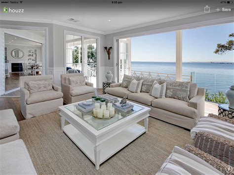 Hamptons Style Homes, House